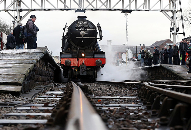 The Flying Scotsman Takes To The Tracks Under Steam After An Extensive Restoration