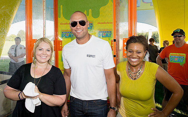 """Nickelodeon And Derek Jeter's Turn 2 Foundation Team Up To Host A """"Road To Worldwide Day Of Play"""" Event In Kalamazoo"""