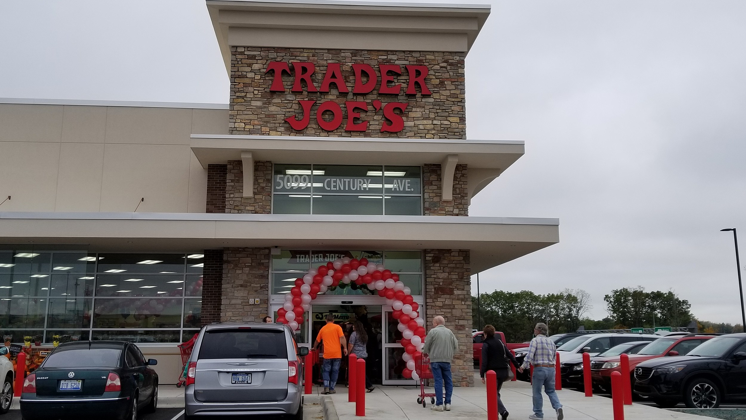 Trader Joes Grand Opening